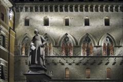 Images of Italy ~ Piazza Salimbeni Siena at night 1736